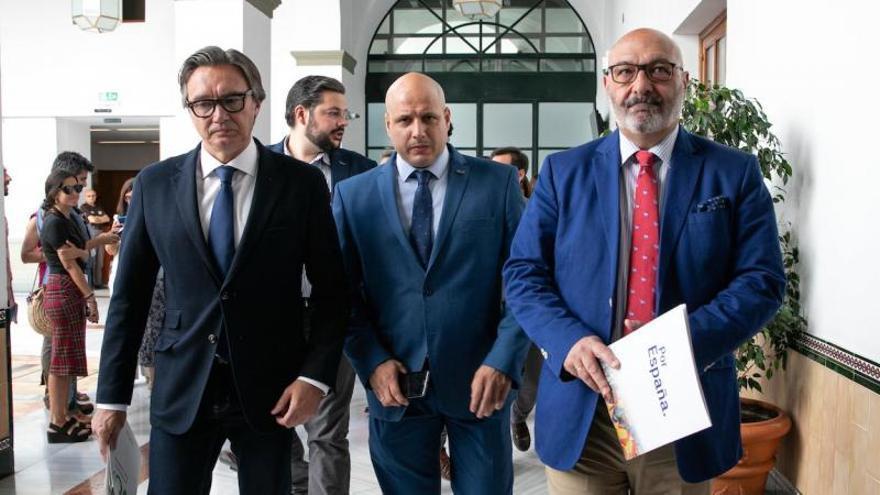 Manuel Gavira, Rodrigo Alonso y Alejandro Hernández, de Vox Andalucía.