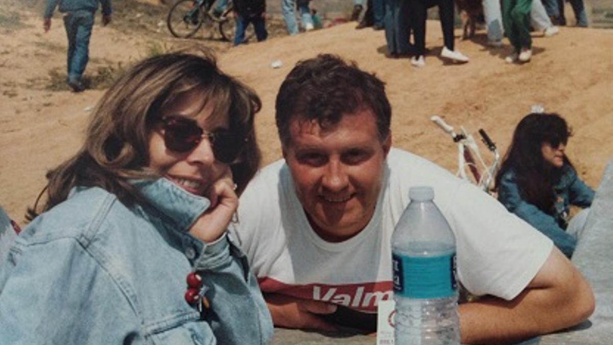 José Manuel Duarte el Sangre y Pilar Gómez Lahera, en un descanso de un rally organizado en unas fiestas