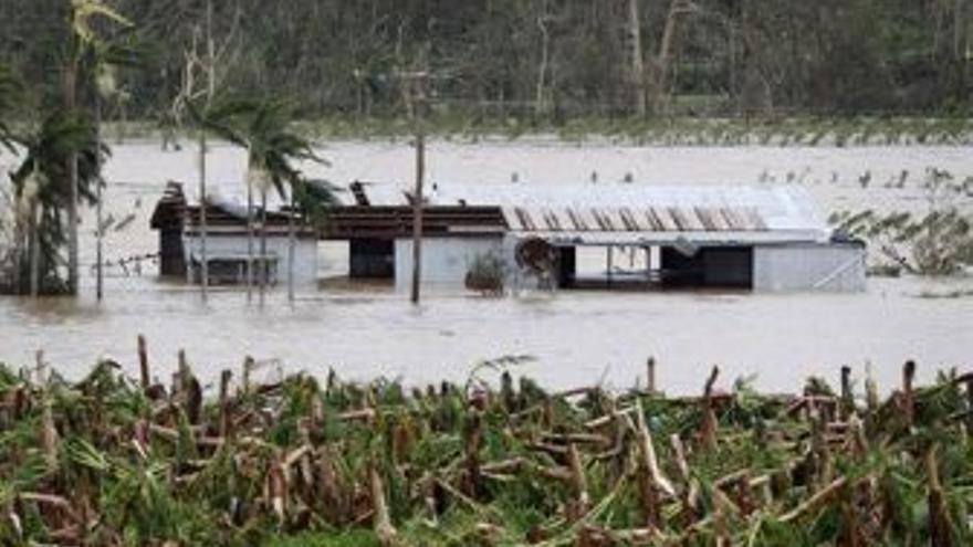 Destrozos por el paso del ciclón. (EUROPA PRESS)