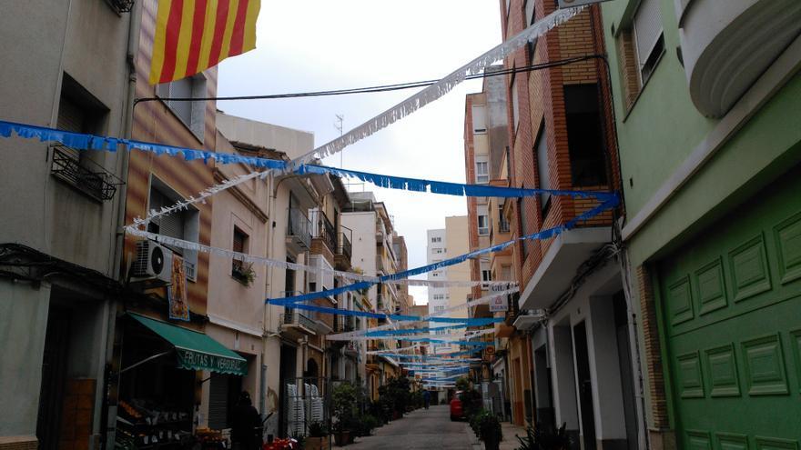 Una calle de Castellón en plenas fiestas vecinales.