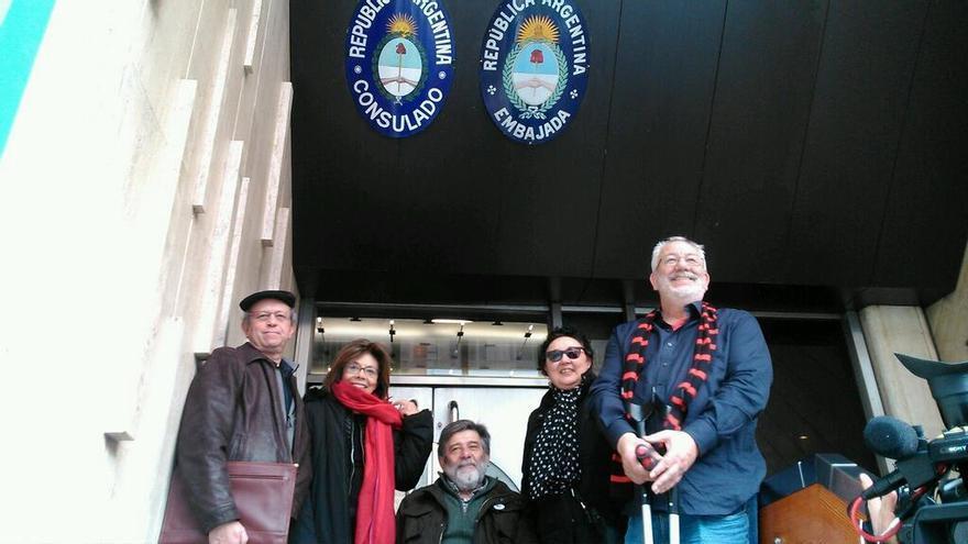 Primeros declarantes por videoconferencia sobre crímenes franquistas en la Embajada argentina.