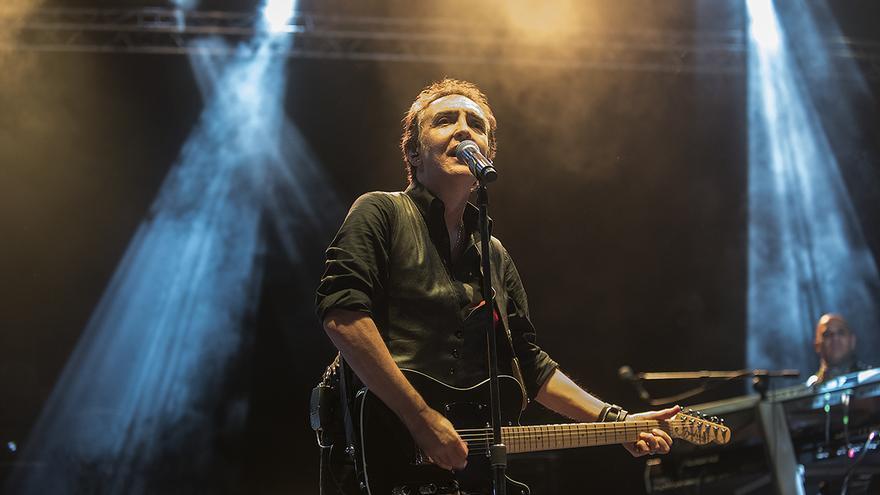 Concierto de Ramoncín en el festival Movember Food & Rock | JOAQUÍN GÓMEZ SASTRE
