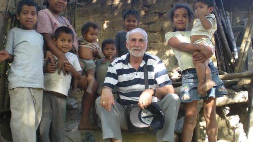 Antonio Brosed, en el centro, es el fundador de Monegros con Nicaragua.