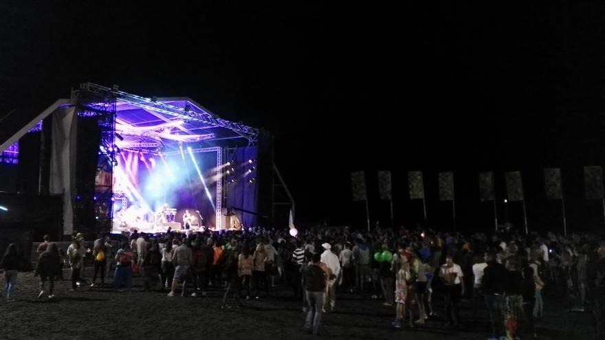 Muyayo Rif sobre el escenario de Womad Fuerteventura 2016.