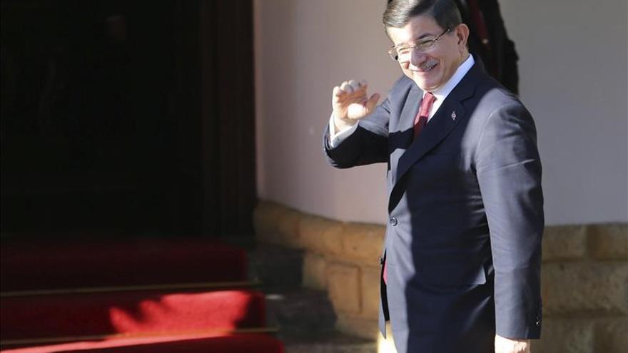 Davutoglu dice que reunificación de Chipre beneficiará a todo Oriente Medio