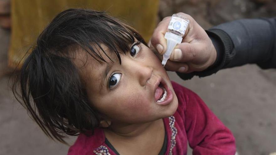 Afganistán lanza una nueva campaña en el país para erradicar la polio en 2017