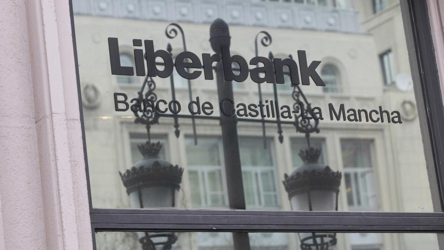 Liberbank regresa al parqué con una subida de casi el 7% tras prorrogar la CNMV el veto a los cortos