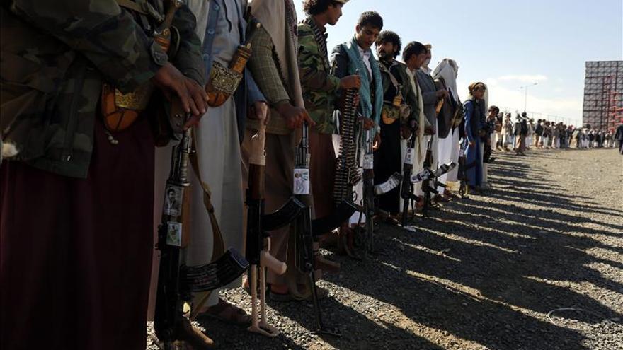 Entra en vigor el alto el fuego acordado entre el Gobierno y los rebeldes en Yemen