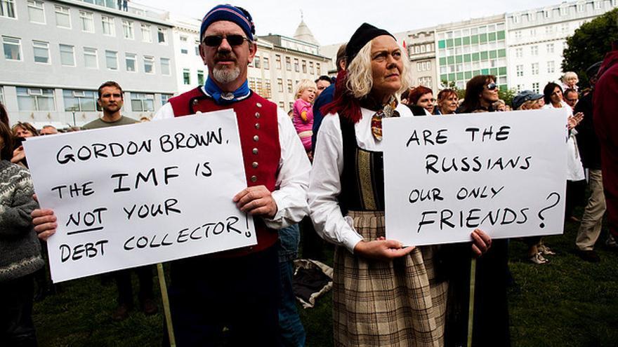 Manifestación en Islandia en febrero de 2010 contra la devolución del dinero a Londres. Foto: Flickr de InDefence.