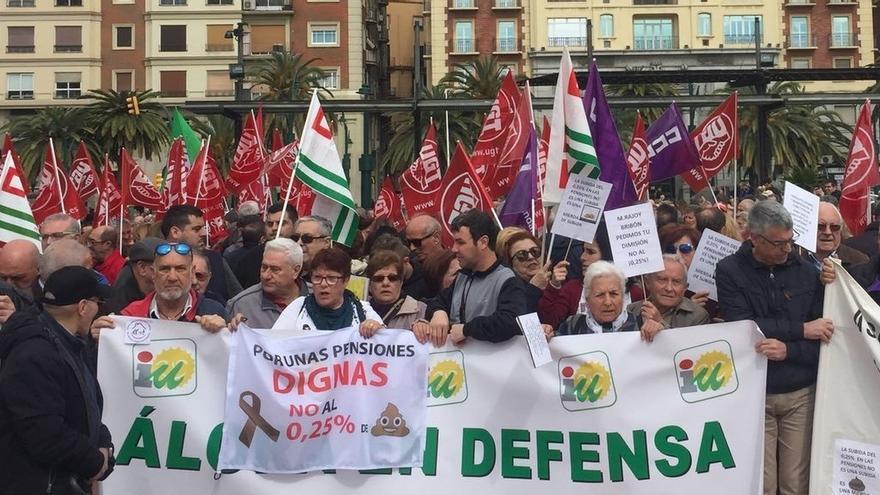 """IU considera que los pensionistas y el 8 de marzo han dado """"esperanza"""" para construir """"un mundo nuevo"""""""