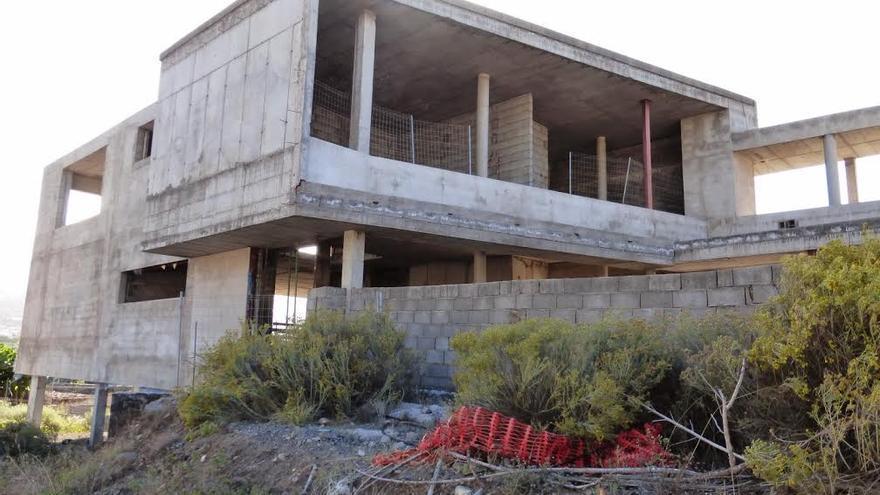 En la imagen, edificio sin concluir del complejo deportivo y de salud 'El Jable'.