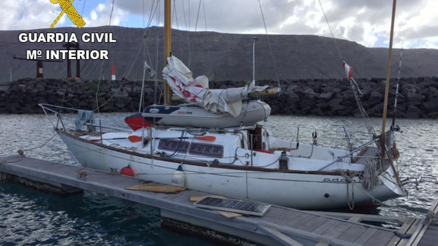La Guardia Civil localiza en la isla de La Graciosa a una adolescente de 17 años