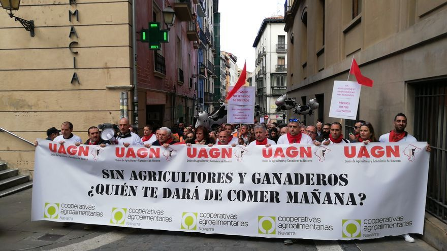 Farmers and ranchers have mobilized this Wednesday in Pamplona, ​​convened by the UAGN and UCAN unions