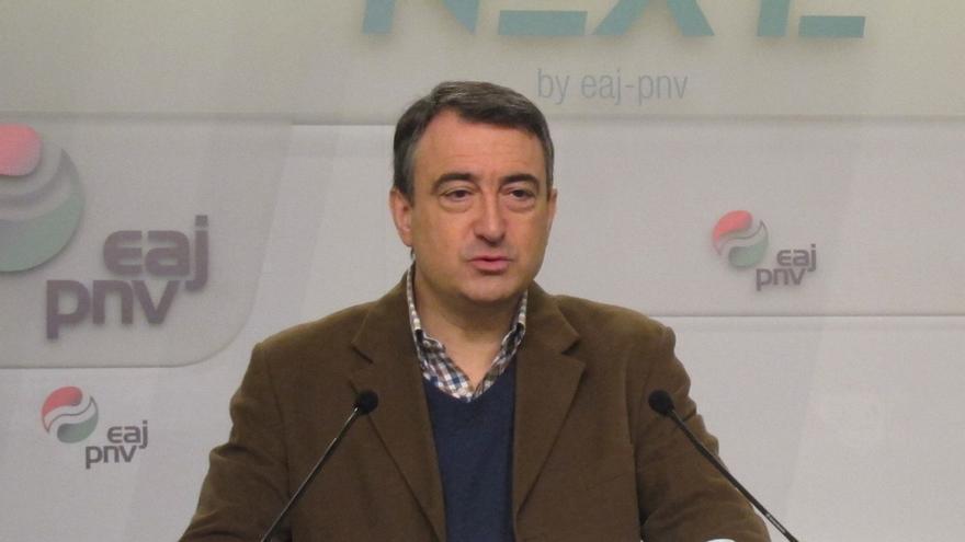 """Esteban dice que lo que el PNV hace cuando pide las transferencias pendientes es reclamar que """"se cumpla la ley"""""""