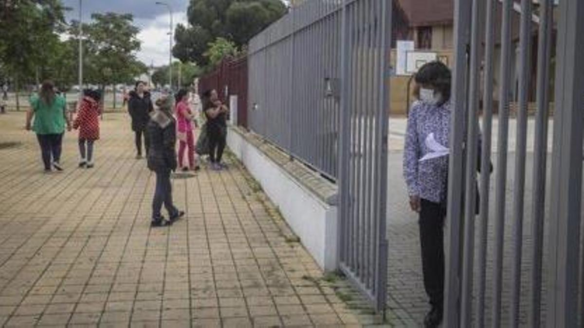 Vecinos en el Polígono Sur de Sevilla