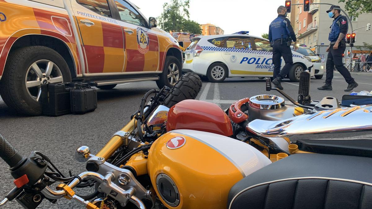 Imágenes de la moto accidentada en el suceso de Bravo Murillo