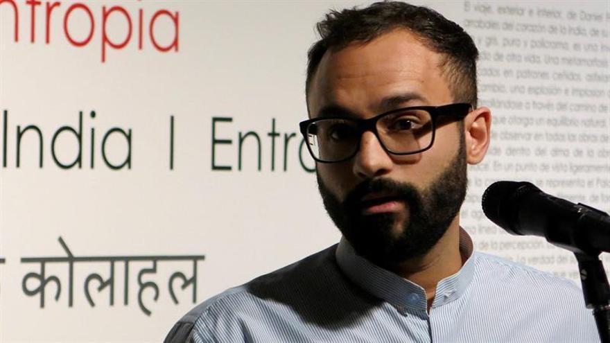 El artista Daniel Franca devuelve a Nueva Delhi la entropía de la India