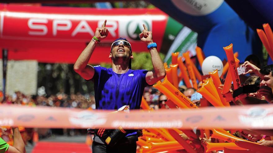 Luis Alberto Hernando, entrando en meta durante Transvulcania 2015. Foto: Saúl Santos/Transvulcania.