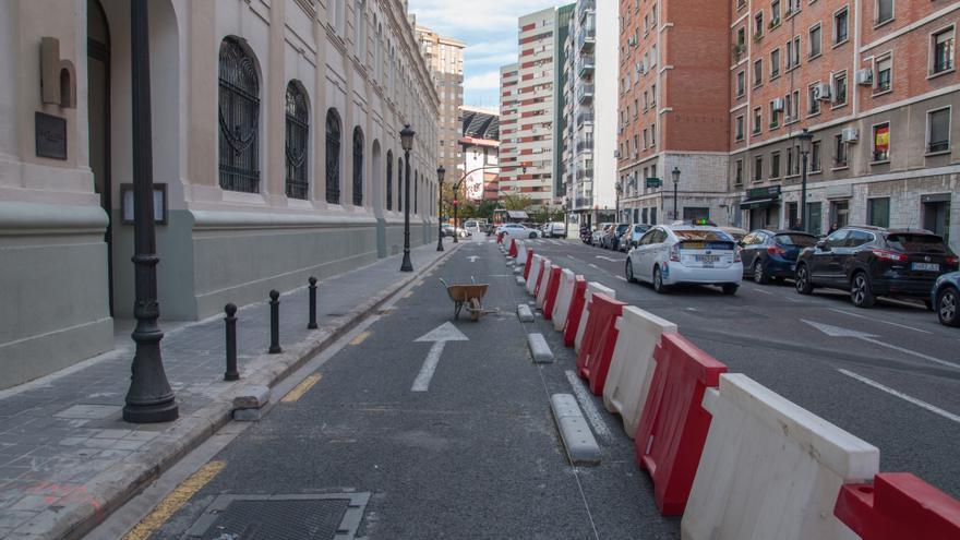Obras de ejecución de carril bici en la avenida de Suècia