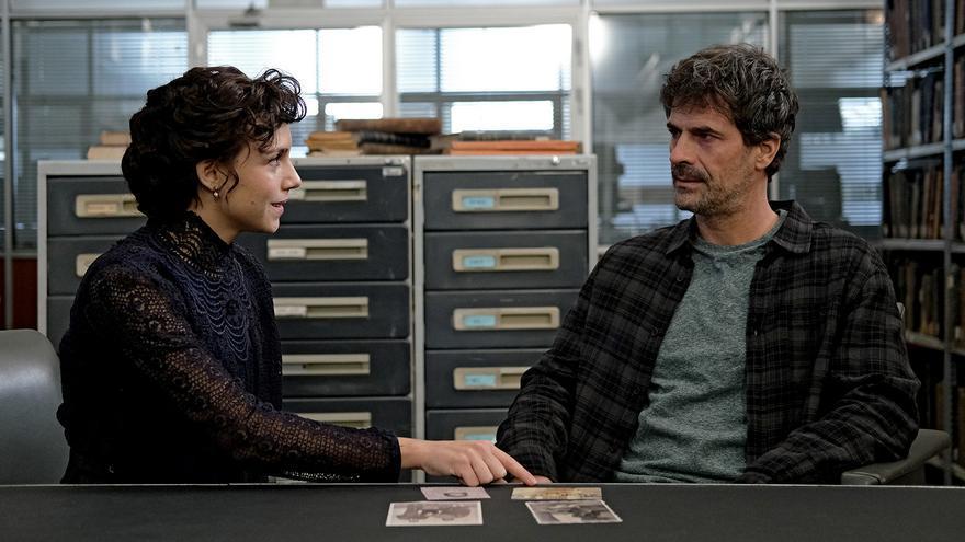 Amelia y Julián en 'El Ministerio del Tiempo'