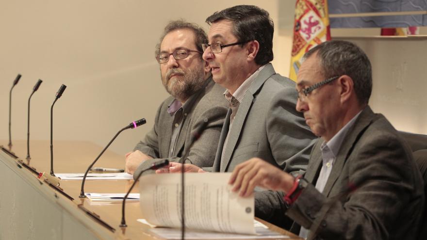 """IU ve """"evidente"""" que la Monarquía está """"a debate"""" y apuesta por preguntar a los españoles si prefieren la República"""