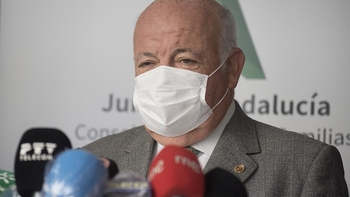 El consejero de Salud Jesús Aguirre
