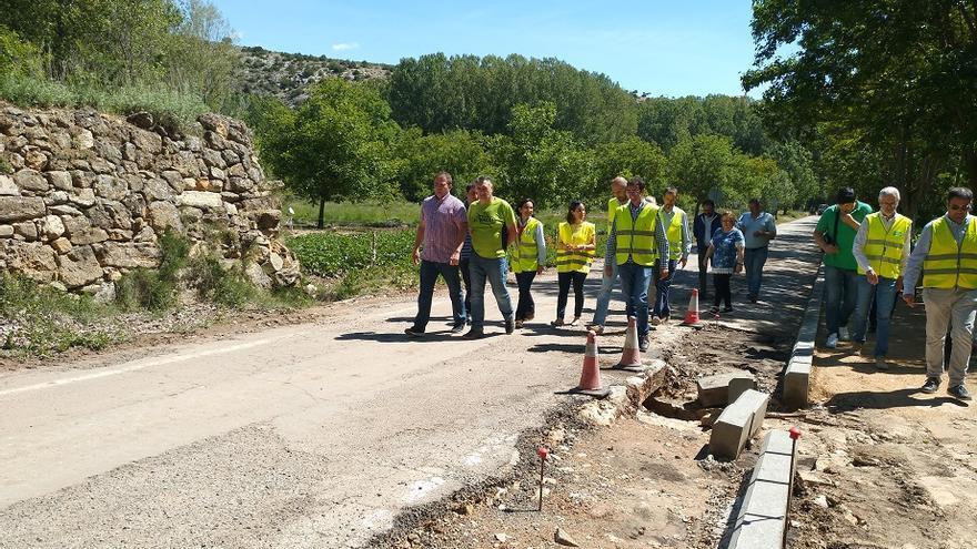Imagen de la visita del diputado de Carreteras al Rincón de Ademuz