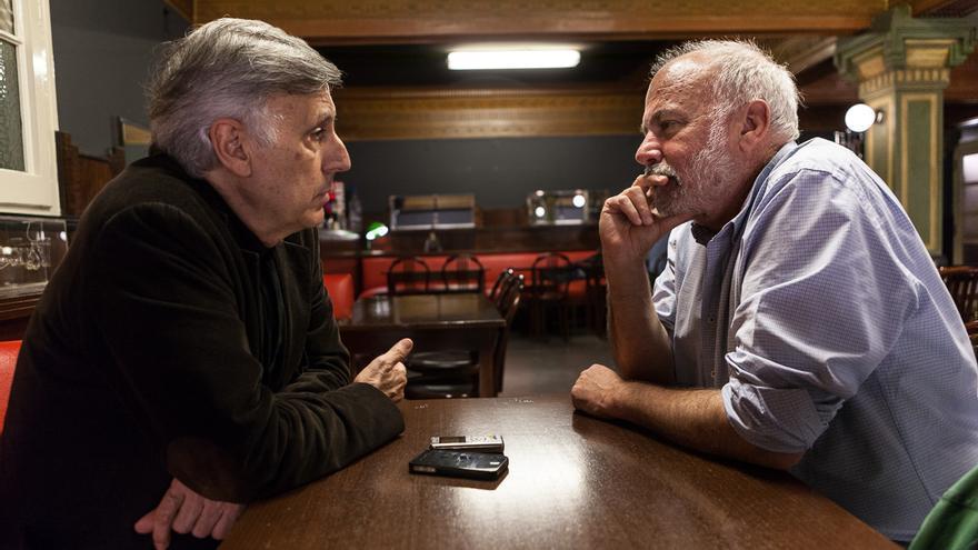 José Enrique Ruiz-Domènec y Ramón Lobo, durante la entrevista. Foto: Enric Catalá.