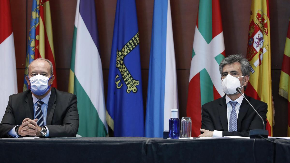El ministro de Justicia, Juan Carlos Campo, y el presidente del Tribunal Supremo y del CGPJ, Carlos Lesmes.
