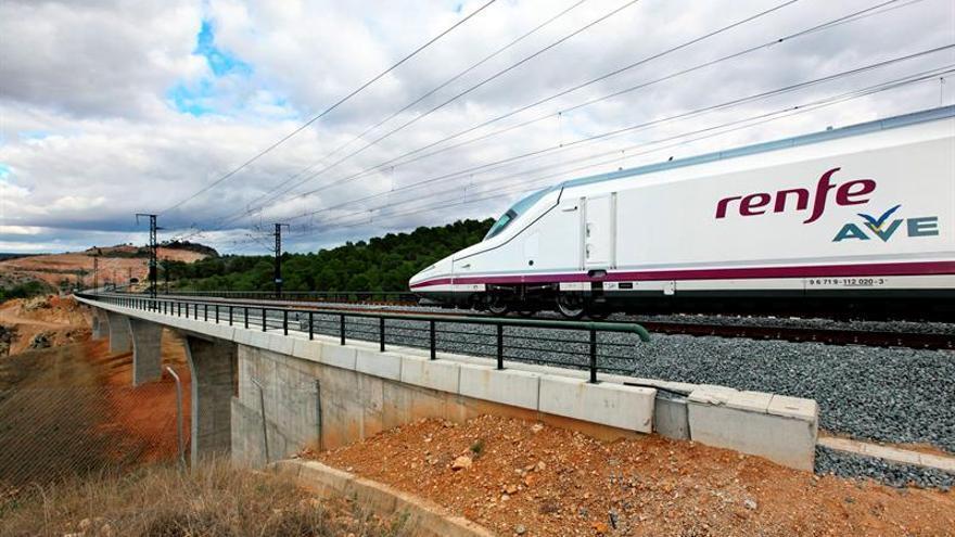 Talgo, preseleccionada para suministrar trenes para el AVE británico