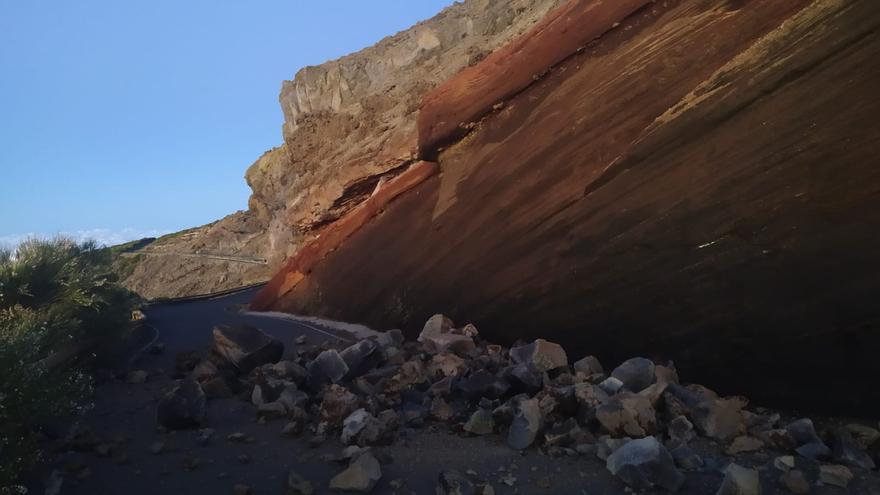 En la imagen, el derrumbe en la 'degollada' de Los Andenes.