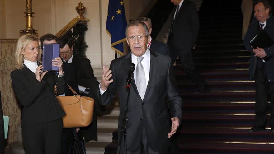 """Lavrov afirma que la """"amenaza de sanciones oculta la falta de deseo de cumplir los acuerdos"""""""