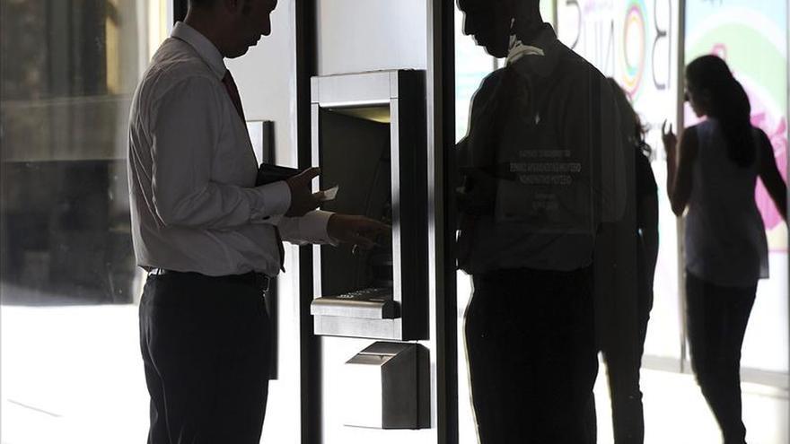 Econom a saca a audiencia p blica orden ministerial sobre for Comisiones cajeros