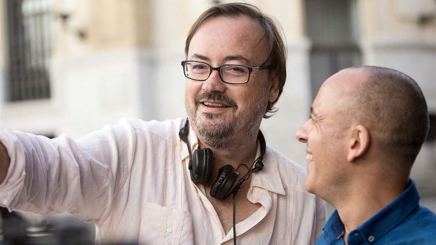 Manuel Martín Cuenca, en el rodaje de 'El autor'