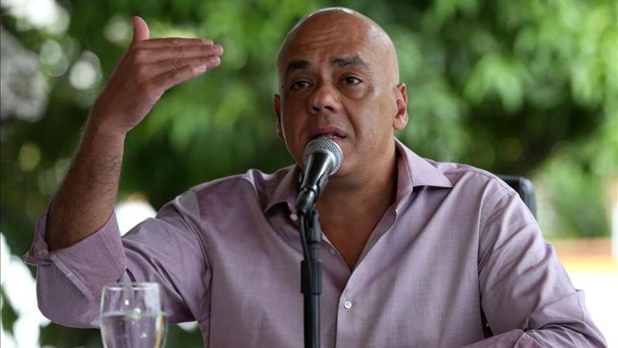 El chavismo cuestiona el blindaje del sistema electoral