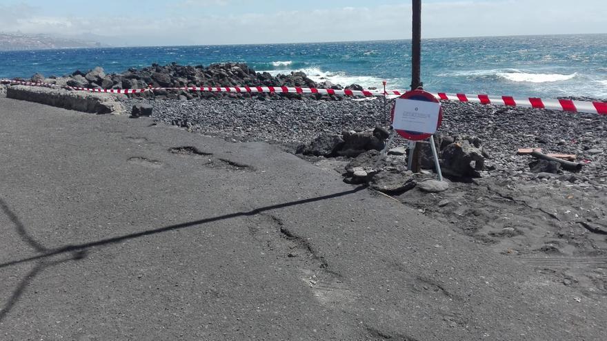 Playa cerrada dentro del municipio de Arafo, una clausura de zona de baño motivada por el vertido ocasionado por una empresa