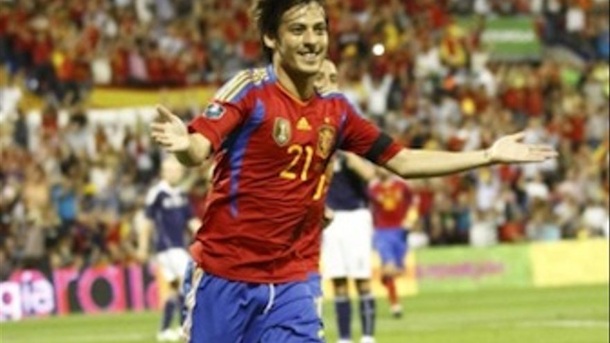 Silva, celebra su gol ante Escocia. (rfef.es)