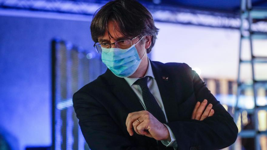 Puigdemont cierra filas con Sànchez ante el manifiesto que pide su dimisión