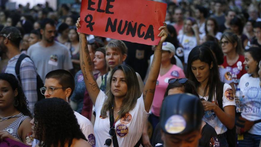 Las mujeres salieron a la calle para protestar en contra de  Bolsonaro