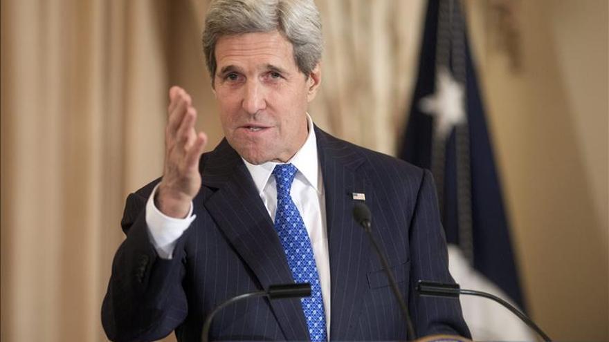 Kerry asegura que Rusia miente cuando dice que no tiene tropas en Ucrania