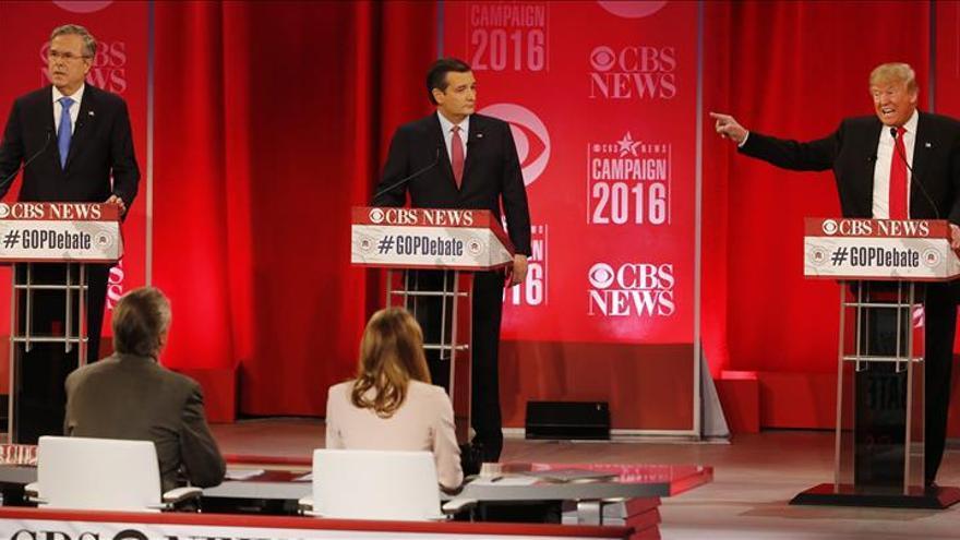 Los aspirantes republicanos a la Casa Blanca cruzan reproches en un acalorado debate