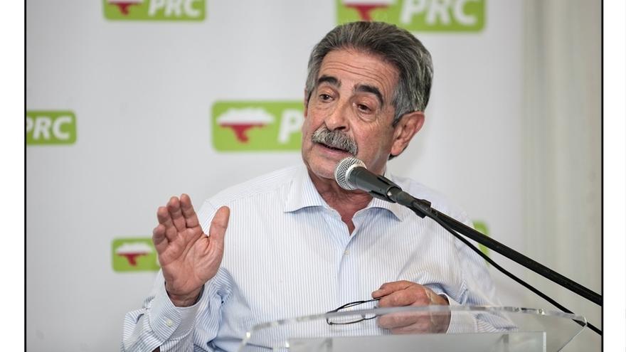 """Revilla apela a la """"sensatez"""" de los grupos e insiste en que él no """"gobierna"""" si el 1 de febrero no hay presupuesto"""