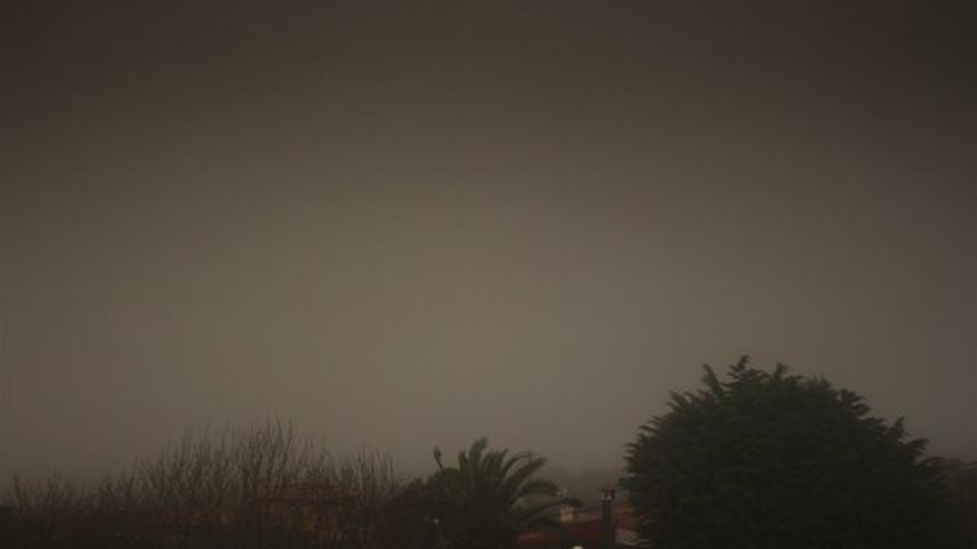 La niebla provoca cancelaciones en el Aeropuerto Tenerife Norte. (Foto: @Aeropuertotfnor)
