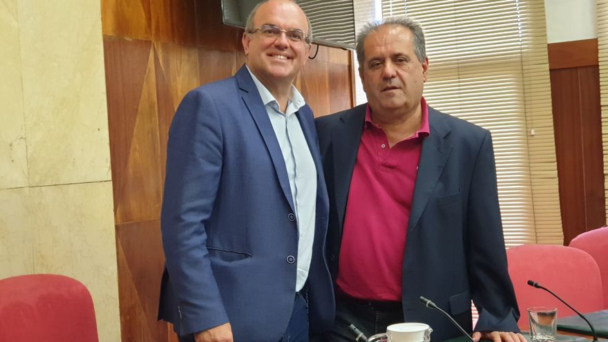 Anselmo Pestana (i) y José Luis Perestelo este viernes.