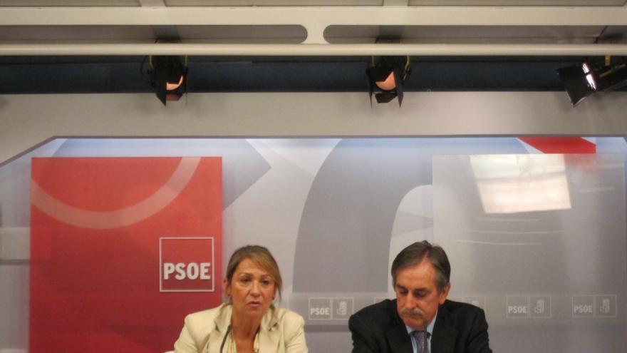 (Ampl.) PSOE duda de que el 'banco malo' no cueste nada y alerta de interferencias en el precio de los pisos