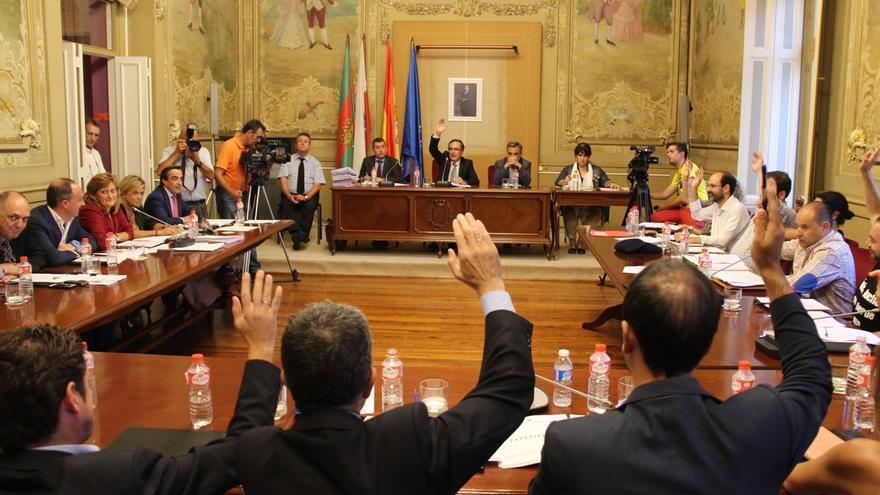 Unanimidad del Pleno sobre el 'sí' a la modificación del PGOU sobre el Dobra y al plan para los FEDER