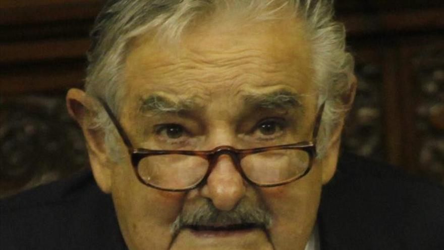 Mujica abrirá una escuela agraria y dará conferencias por el mundo, según su esposa