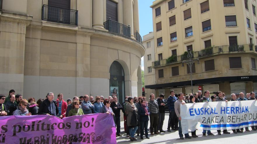 """Los firmantes del Acuerdo de Gernika reclaman a los Gobiernos español y francés """"pasos definitivos"""" a favor de la paz"""