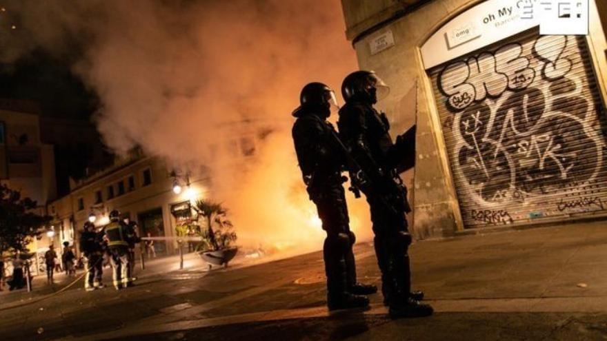 Los disturbios dejan 199 detenidos y 289 policías heridos en una semana