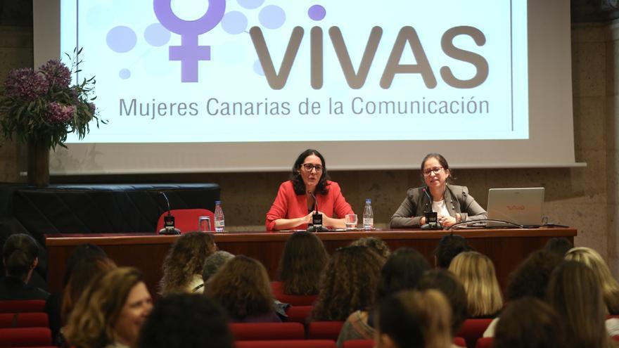 La presidenta de la asociación Vivas, Luisa del Rosario junto a la vicepresidenta, Cristina Ifara Quesada.